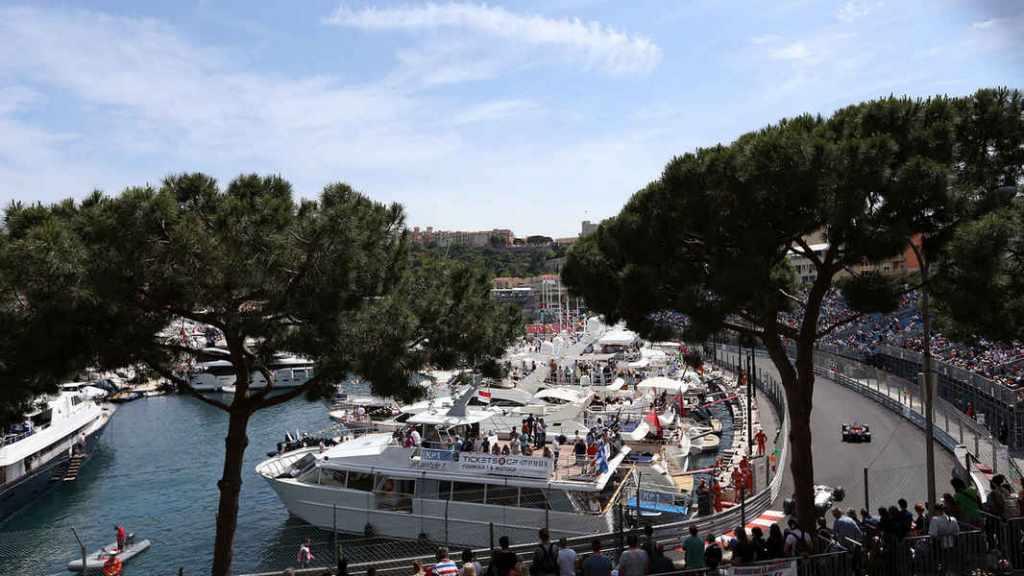 F1-2016-Gp-Monaco-yacht