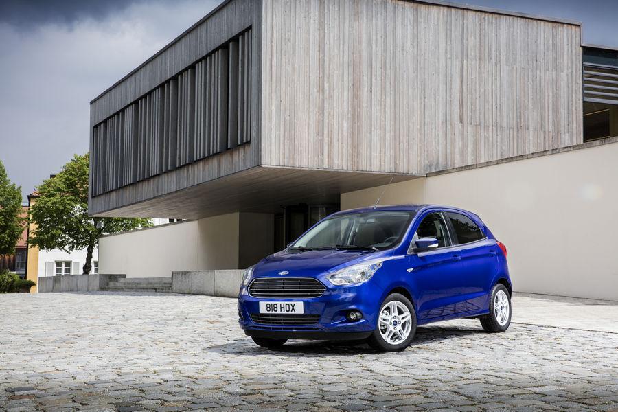 Ford Ha Presentato In Europa La Sua Nuova Compatta A  Porte Ka Che Offre Interni Spaziosi Efficienza E Dinamiche Di Guida Ai Vertici Della Categoria