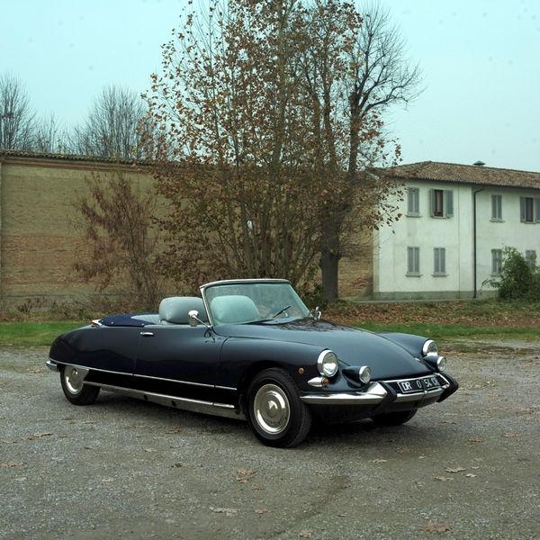 ds-21-cabriolet-usine-motor-show-bologna-1