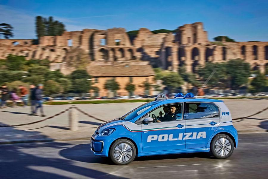 volkswagen-e-up-polizia-roma-5