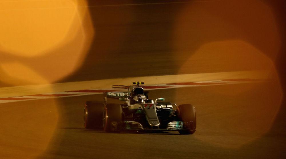 f1-2017-bahrain-qualifiche-mercedes-amg-bottas