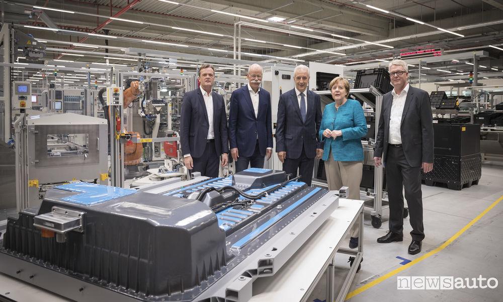Daimler legt Grundstein für eine der größten und modernsten Batteriefabriken der Welt