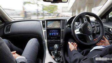 Guida completamente autonoma su strada