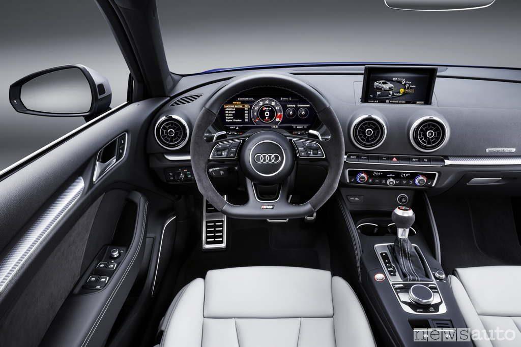 Abitacolo Audi RS3 cockpit interno