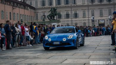 Alpine A110 alla Supercar Night Parade