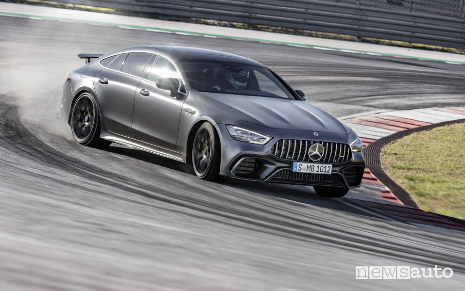 Mercedes-AMG GT 63 S 4MATIC+, drifting in pista